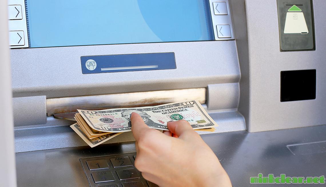 Cách gửi tiền tiết kiệm hàng tháng vào ngân hàng