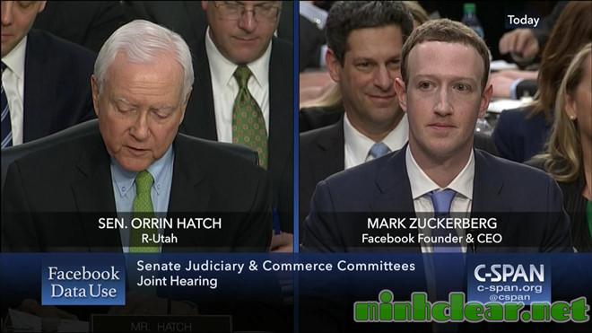 Nhiều Thượng nghị sĩ Mỹ cũng không biết cụ thể là Facebook kiếm tiền như thế nào nên đã hỏi CEO Mark Zuckerberg trong lần điều trần trước Thượng viện Mỹ hồi tháng 4.2018 Ảnh: C-SPAN
